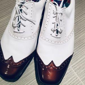 NWOT - Lopro Ladies Classic Golf Shoe 11